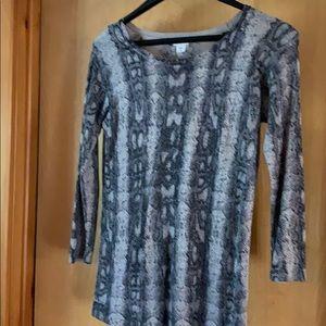 Sweater Gray, black, silver snake print